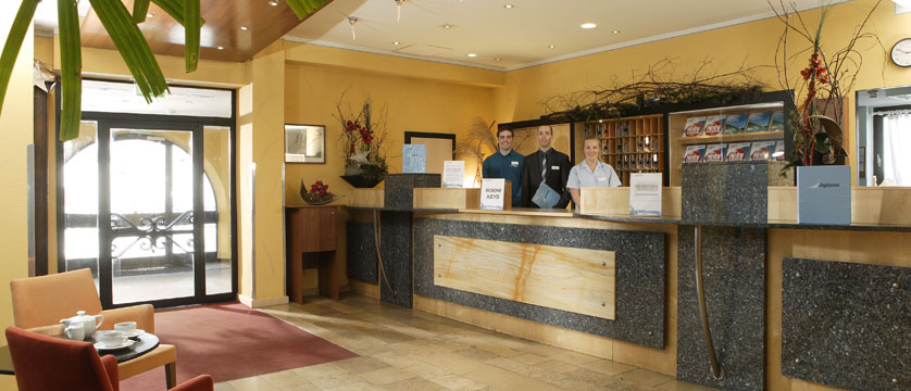 austria_st-christoph_chalet-hotel-st-christoph_reception-staff.jpg